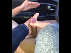 Colombiniata footjob en el carro