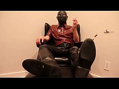 Rubber Master Smoking Reds in Brown Rubber