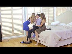 Melissa Moore And Jillian Janson Fucked Threesome