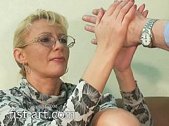 Mature fisting slut