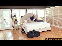 Stepmom Lauren Phillips got bored so she go downstair and fucked with her stepson!