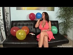 MILF Finds Blowjob Fun Amidst Birthday Preparations