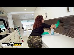 BANGBROS - Curvy Latina Housekeeper With Incredible Body Giving Extra Services