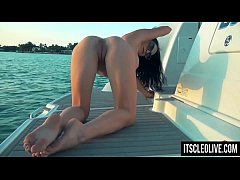 HD Hot College Girl Cleo Cums on a Boat!