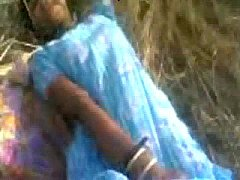 Desi Out Door Fucking With Girl\/http:\/\/www.esco...