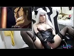 Teen masturbates to hentai