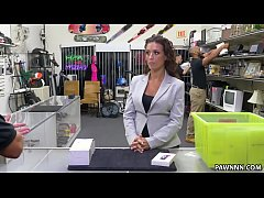 victoria banxxx fucks for a laptop in the pawn shop