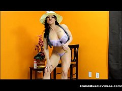 EroticMuscleVideos - Sexy buff BrandiMae And Her Banana Split