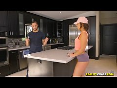Reality Kings - Broken Down Hottie Kelsi Monroe Damon Dice
