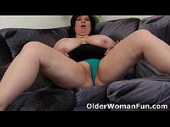 HD BBW mom having solo sex with a dildo