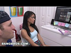 BANGBROS - Stepmom threesome with Kendra Lust and Veronica Rodriguez (smv13049)