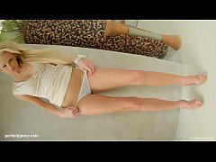 Super hot solo girl Ivana Sugar masturbating on Give Me Pink gonzo style