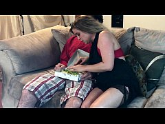 dirty delivery guy tricks MILF into blowjob - Erin Electra