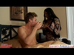 Black mom Diamond Jackson suck a big white prick