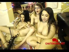 Three Teens and Pussy Pumping Machine - Chattercams.net