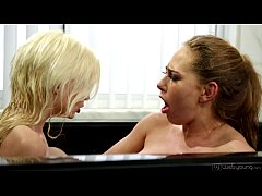 Carter Cruise and Piper Perri Lesbian Fun
