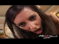 Lela Star cums in amazing way
