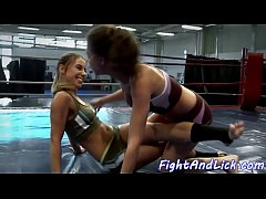Glam beauty licking pussy after fighting