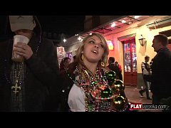 Clip sex Mardi gras 2007 Amateur 5; Big Boobs, Blondes, Brunette, Group Sex, Outdoor, Striptease