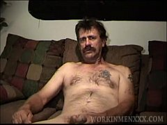 Mature Amateur Don Jerking Off