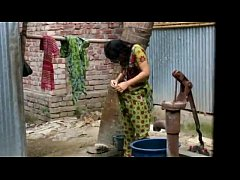 desi girl bathing outdoor for full video http:\/\/zipvale.com\/FfNN