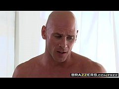 Brazzers - Dirty Masseur - Karina White and Johnny Sins - From Head to Toe