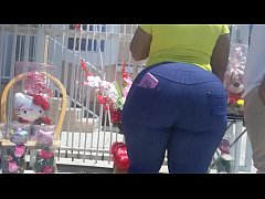 Omg big donkey booty in tight jeans HD