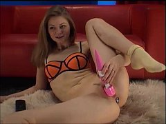 Cam girl with big toy playing secret film from livetopcams
