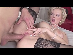 Tarra White per una sexy scopata all'italiana! XTIME.TV