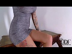 Tattooed Temptress Isla Poses Naked In Sparkly White Heels
