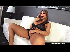 Clip sex Ava Devine gets Shemale escort for the night