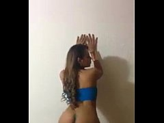 gorgeous latina dancing naked - deliciouscamgirls.net