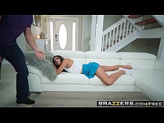 Brazzers - Vienna Black and Kyle Mason trying Fidget Spinner