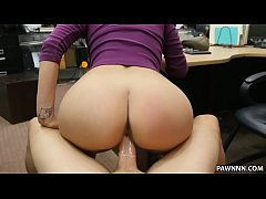 latina babe tries to sell her bf s lizard - xxx pawn