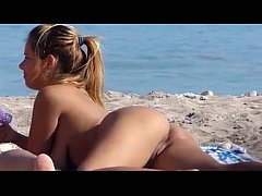 www.NakedTeenCam.sexy - Sexy teen naked on the beach - hidden cam!