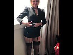 Old MILF secretary gets fucked at lunch break in hotel room - MySexMobile