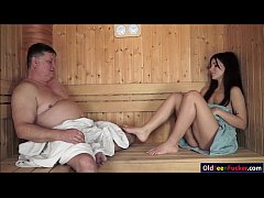 Teen Bella Beretta fuck grandpa in sauna