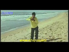 Keerthi Chawla hot smooch song