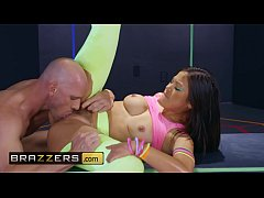 (Kendra Spade, Johnny Sins) - Glow In The Dark Dicking - Brazzers
