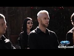 Play full 3GP - Goth girl Marley Brinx fucked at the funeral