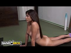 BANGBROS - Teen Amateur Kravanna Star Wants The D!