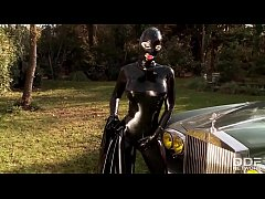 Fetish Queen Latex Lucy Fucks herself outdoors with Dildo