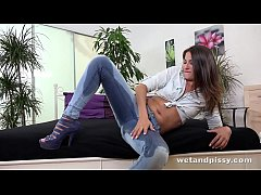 Wetandpissy - Czech teens piss facial