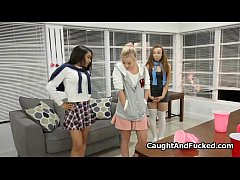 Sorority siss sharing dick at casting