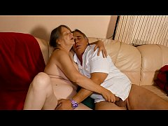 XXX OMAS - Chubby old granny fucked in the pussy