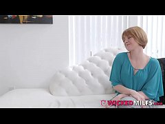 Hot Daughter Athena Faris Lesbianised By Stepmom & Her GF