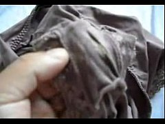 Showing my Indian wife´s dirty panties