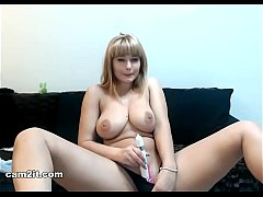 Sophisticated Camgirl Showing Off - Cam2it.com