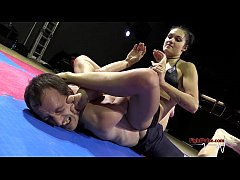 HD Mixed wrestling match - athletic girl vs guy (NC-18 demo)