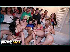 BANGBROS - Pornstars Lisa Ann, Diamond Kitty, Alexis Fawx and Valerie Kay Invade A Dorm